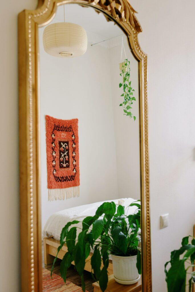 Spiegel als Wanddekoration